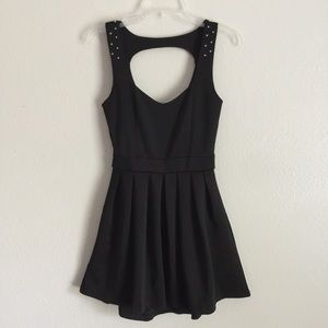NWT Black Dress with Open Back ( Juniors)